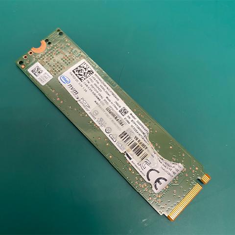 電腦公司 SSD 無法讀取